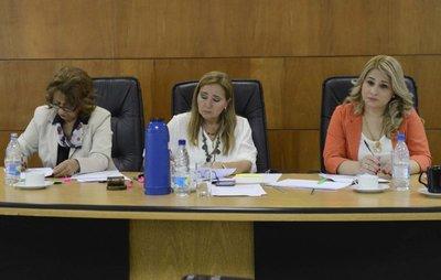 Prosiguen esta mañana los alegatos de las defensas del caso Cajubi