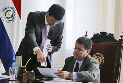 Cartes promulga Ley de Informconf