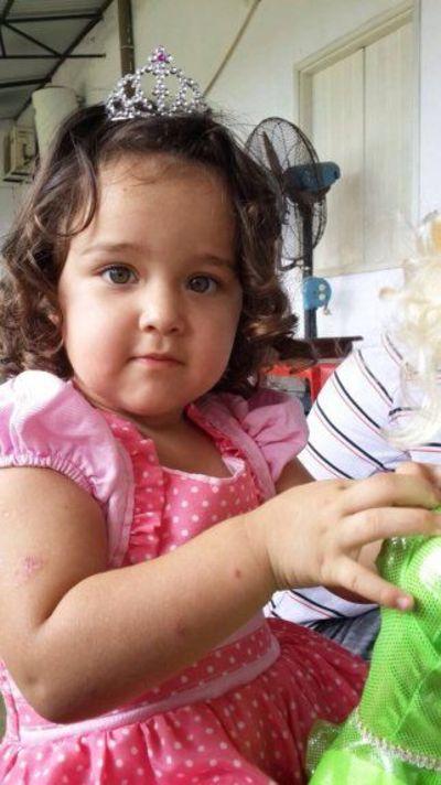 Claman ayuda para niña electrocutada en plaza de CDE