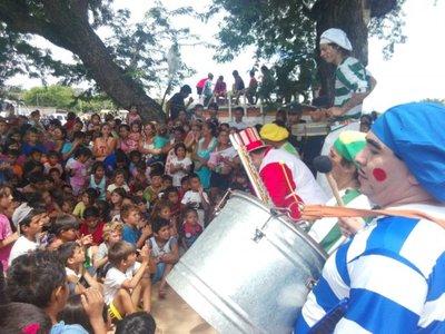 Realizan festejo de Reyes para niños damnificados