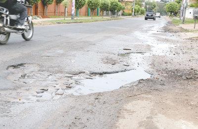Desde hoy taparán baches en principales calles de Asunción
