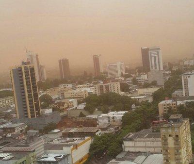 Tormenta de arena genera cortes de energía en el Este