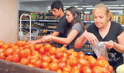 Insisten en el uso de la tecnología para la producción de tomates