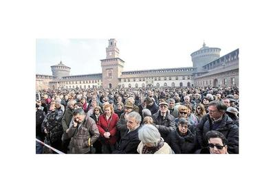 Italia  despidió a Umberto Eco