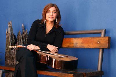 Homenaje a la mujer paraguaya de hoy