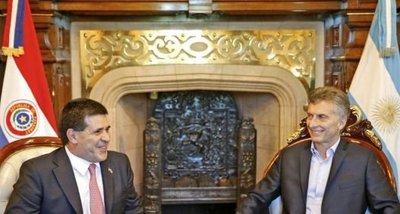 Horacio Cartes ya está reunido con Mauricio Macri