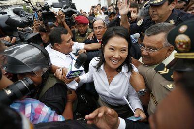 Keiko Fujimori ganó sufragios, pero habrá segunda vuelta