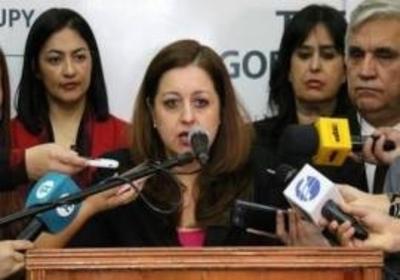 HOY / Las respuestas de la ministra Lafuente a la interpelación