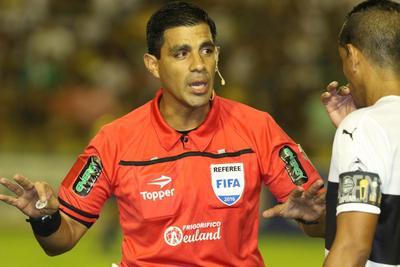 Enrique Cáceres, el árbitro paraguayo para la Copa América