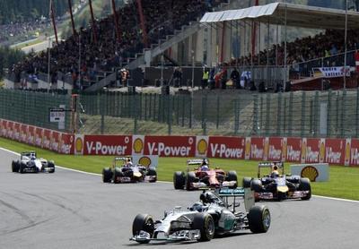 Rosberg y Mercedes lideran con autoridad el Mundial de Fórmula 1