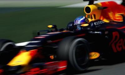 Verstappen, el más rápido en la segunda tanda de Montmeló