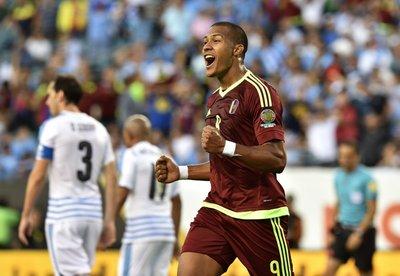 Venezuela se mete a cuartos y Uruguay queda fuera de la Copa