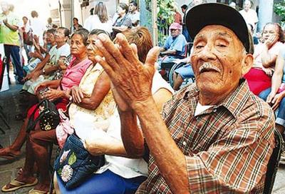 Buscan mejor calidad de vida para adultos mayores