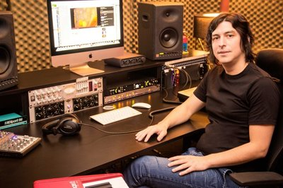 Compositor paraguayo musicaliza dos series argentinas