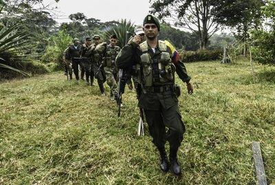 Las FARC expulsan a disidentes que se niegan a entregar armas