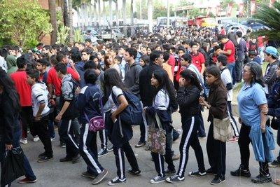 Estudiantes copan la Expo