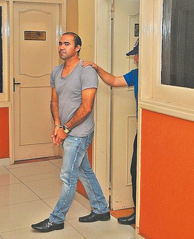 Lo imputan por 4 delitos tras divulgar fotos
