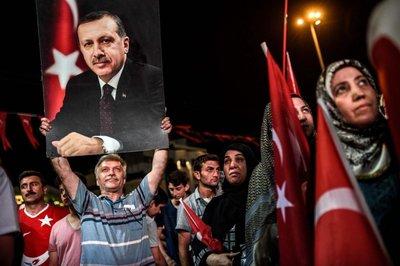 Erdogan ordena el cierre de más escuelas