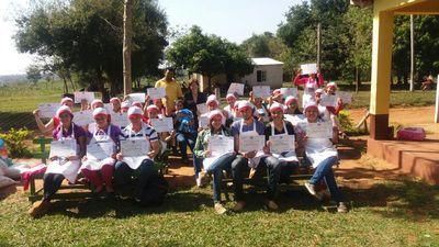 Caaguazú: Sinafocal entregó certificados y herramientas