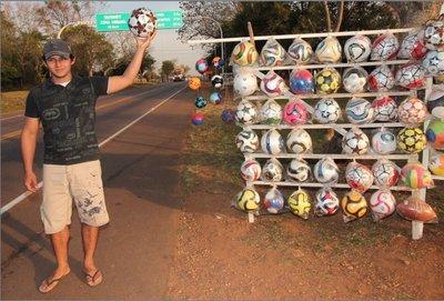 Quiindy: El arte de fabricar pelotas