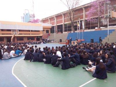 Estudiantes secundarios organizan sentata para exigir aumento de inversión a educación