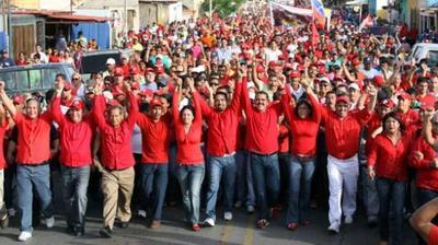 Contramarcha chavista en Caracas en apoyo al Presidente