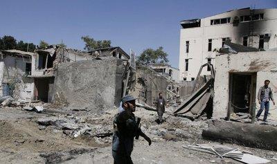 En Afganistán, las bombas matan dos veces