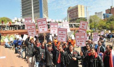 Importadores de autos usado: Hacienda no cede y siguen  protestas