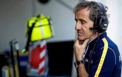 Renault estudia que Alain Prost corra el Dakar 2017