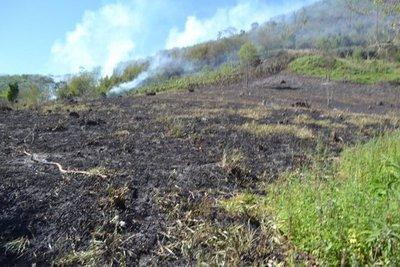 Reviven llamas en Ybyturuzú