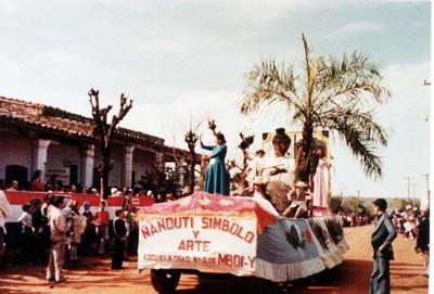 Itauguá revive su tradicional desfile de carrozas luego de 30 años
