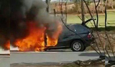Camio se incendió y conductor se salvó