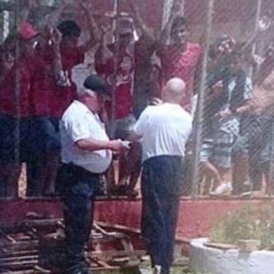 "Acusan a Paraguayo Cubas  de repartir dinero a reos  para armar ""disturbios"""