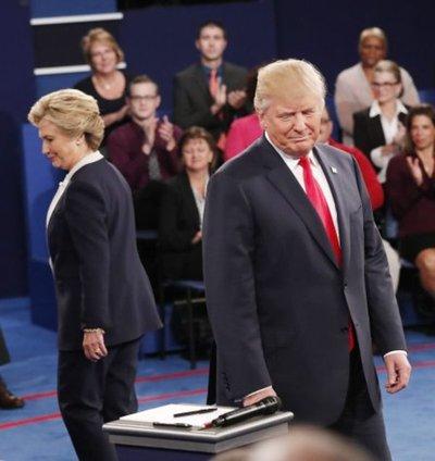 Músicos con Hillary y deportistas con Trump