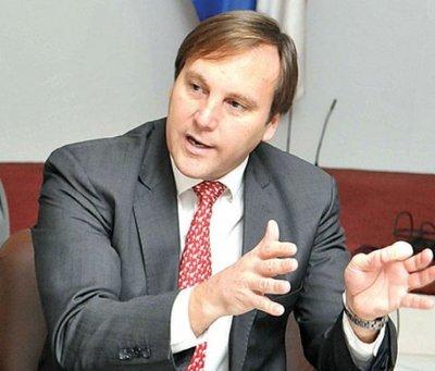 Negocio petrolero de López Moreira  se inició con Lugo y siguió con Cartes