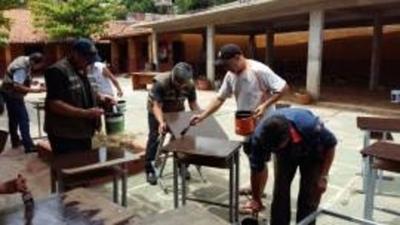 Reparan humilde escuela de la Chacarita