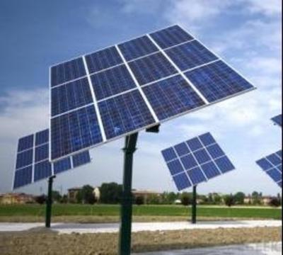 Ofrecen pasantías a jóvenes para instalar paneles solares