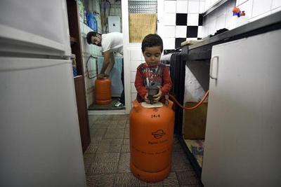 España: Gas, agua o luz, un lujo para muchas familias