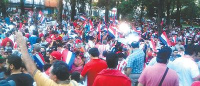 Marcha antireelección pese a fuertes controles oficialistas