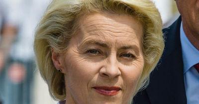 Yo no me cubro con velo: la ministra de Defensa alemana que desafía a Arabia Saudita