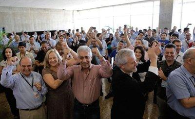 En Itaipú festejan récord de energía mientras Paraguay sufre por cortes
