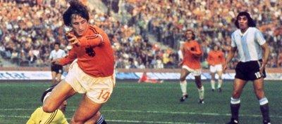 Cruyff y Muhammad Alí: 2016 despidió a dos mitos del deporte