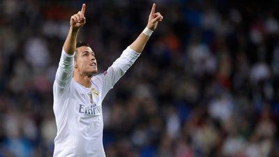 Cristiano, mejor jugador del mundo y más solidario en los Globe Soccer Awards