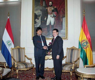 Cartes y Evo se reúnen en Asunción