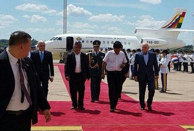 Evo Morales llegó a Paraguay