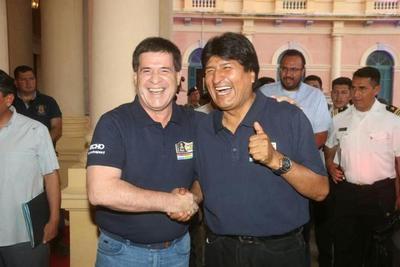 Morales y Cartes firmarán hoy actas sobre energía y ferrocarril