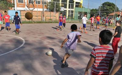 Asunción habilita 11 colonias de vacaciones en barrios carenciados