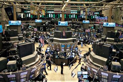 Bolsas de Estados Unidos ceden a las puertas del fin de semana