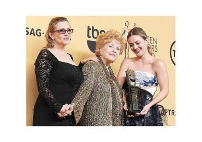 Hollywood rindió homenaje a Debbie Reynolds y Carrie Fisher
