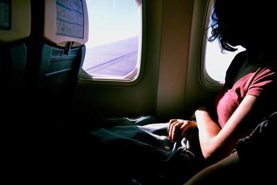 Por qué no debes quitarte los zapatos en un avión y otros secretos muy curiosos